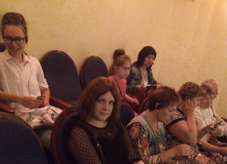Слушатели программы «Тифлокомментирование» посетили занятие в Московском Губернском театре